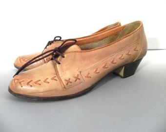 Vintage Shoes 30s style Natural Leather Lace Up Pumps US 7.5 -UK 5 -EU 38 - on sale