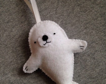 Baby Seal White Christmas Ornament