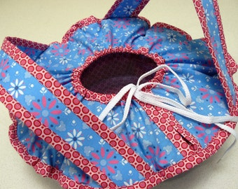 Casserole Carrier - food carrier - blue and pink pretty flowers and dots