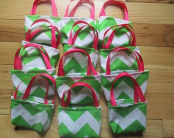 American Girl Party Favors, 12 chevron purses for 18 inch dolls
