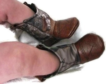 Baby Cowboy Boots, Mossy Oak Camo fabric with leather / Newborn boots / Infant boots / Toddler boots
