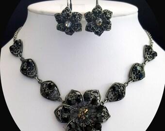Vintage Flower Necklace Earrings Set; Bridal Jewelry Set; Jet Rhinestone Flower Necklace/Earrings Set; Jet Party Jewelry #N3099
