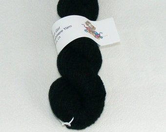 Black worsted pure cashmere recycled yarn