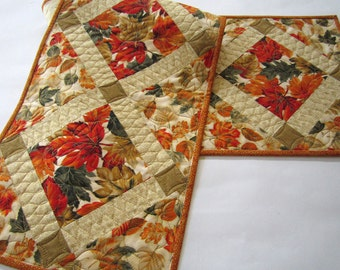 Fall Table Runner, Quilted Table Runner, Handmade Table Runner, Tablerunner, Home Decor, Leaves, Table Decor, Autumn Colors