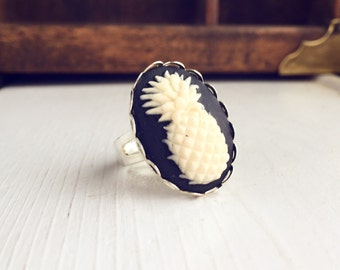 Pineapple Cameo Ring / Adjustable Fruit Lover Gift Steampunk Costume Cosplay / Boho Bohemian Victorian Vintage Style Bridesmaids Favors Boho