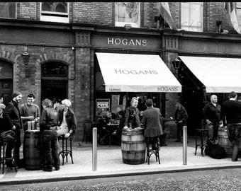 Hogans Pub Dublin, dublin photography, ireland photography, irish pubs, Black & White Photography
