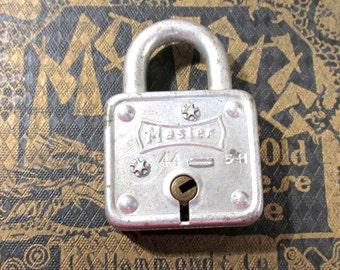 MASTER Padlock VINTAGE Padlock One (1) Padlock No Key Master Padlock Lock No Key Vintage Art Assemblage Supplies (L143)