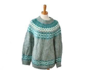 30% off sale // Vintage 80s Edinburgh Woollen Mill Handknit Fair Isle Women M Sweater - mint green, soft