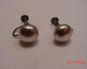 Vintage Faux Pearl Sterling Silver Screw On Earrings   16 - 82