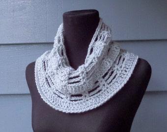 PATTERN C-034 / Crochet Pattern / Myrabelle Cowl ... worsted 100 yards
