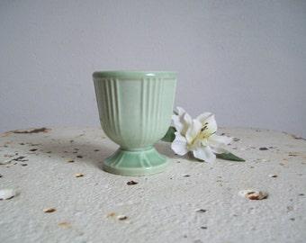 Vintage egg cup Hankscraft Red Wing mint green egg cup