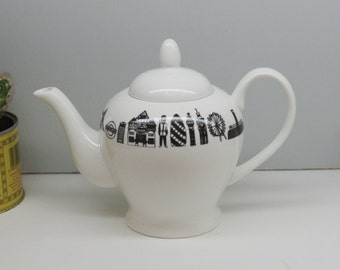 London Teapot - 2 Cup Teapot - London gifts - London China
