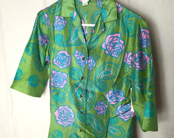 Vintage Women's Novelty Print 1960s Nylon Shirt with 3/4 Sleeves