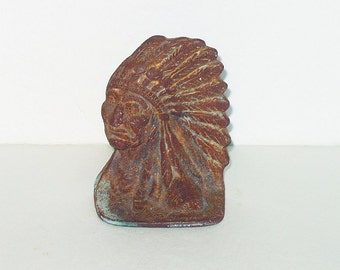 Vintage Cast Iron Indian Head Single Bookend Shelf Setter Paperweight Finding Rusty Verdigris Rustic Ranch Western Home Decor