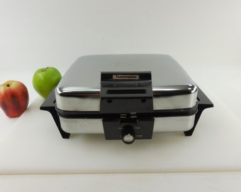 Clean.. Chrome Toastmaster 269C Electric Waffle Maker Baker and Grill