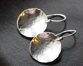 Hammered silver disc earrings, sterling silver filled, medium sized, silver disk, drop, round, dangle, metal earrings, Mimi Michele Jewelry