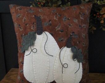 Primitive White Pumpkins Applique Pillow...3 dimensional