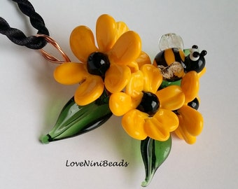Black eyed Susan - Rudbeckia Flowers - Lampwork Glass Copper Wire - Pendant