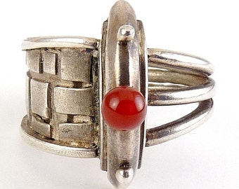 Post Modern Sterling Silver & Carnelian Ring with Split Styles Band, Architectural Detail