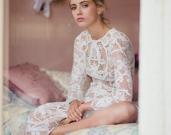 BOHEMIAN BEAUTY vintage lace wedding dress long sleeve
