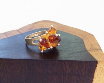Amber and sterling silver cluster ring, size 9