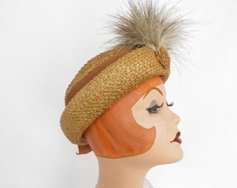 Vintage 1930s hat, straw with front feathers, NY Creation, excellent