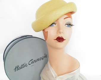 Vintage Carnegie hat, yellow 1950s straw hat and box, excellent condition