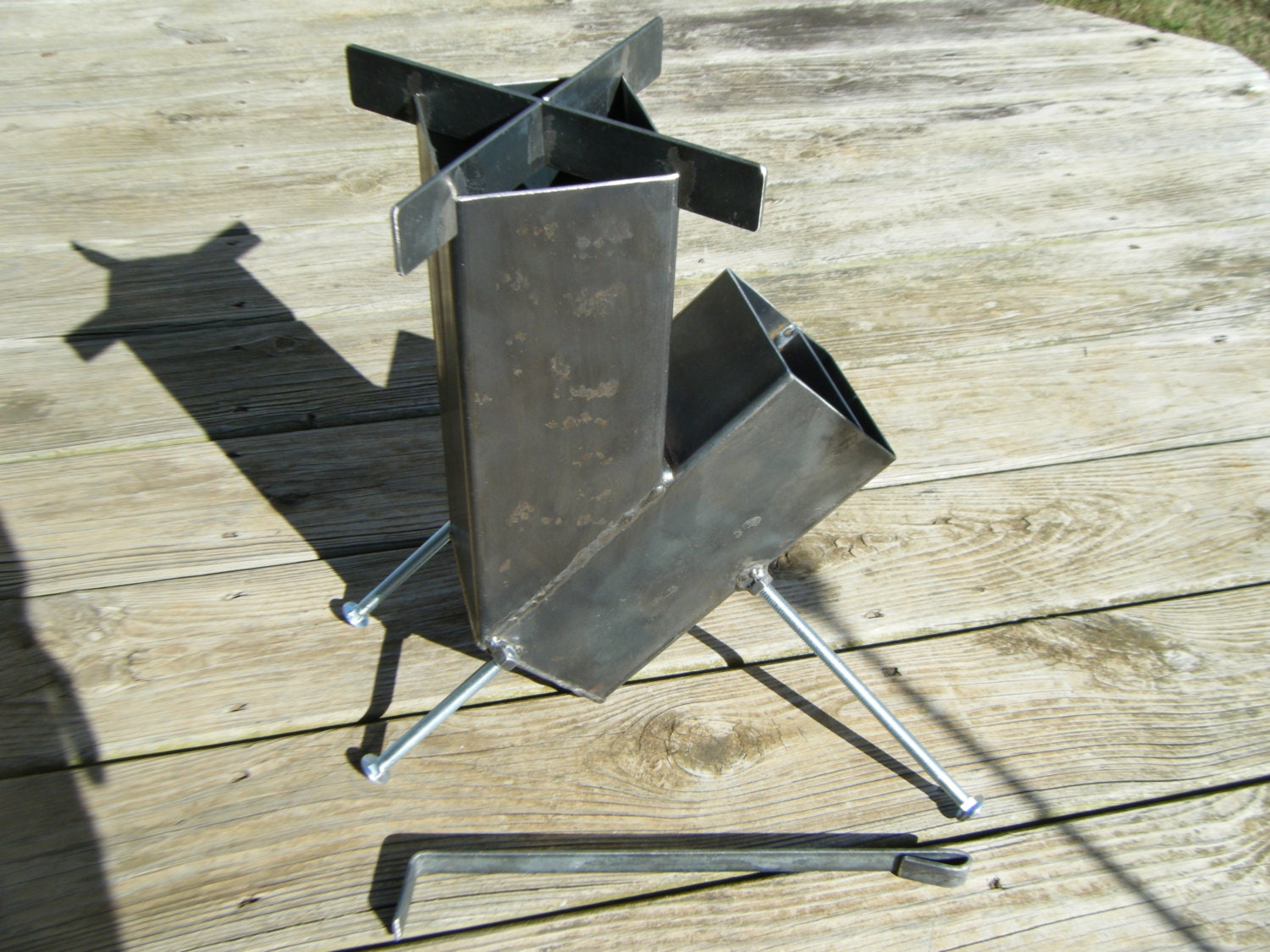 rocket stove self feeding gravity feed design all welded steel