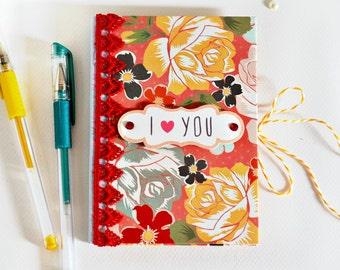 SALE 30% OFF Refillable OOAK notepad holder // to do list taker // pocket organizer // floral design