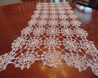 Hand Crocheted runner, white cotton pinwheel pattern
