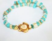 turtle memory wire bracelet with stone chip beads, hippie, meditation, music festivals, wire jewelry, bohemian, gypsy