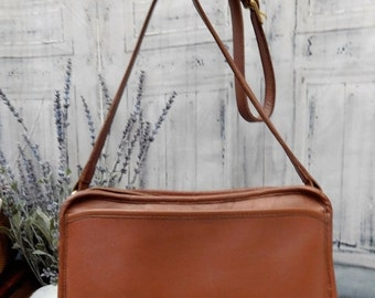 fall sale 2016 MINT -----Authentic Vintage COACH-- Thick Rich British Tan Leather -----BEAUTY---Equestrian Bit ~~Horseshoe Accent