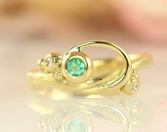 Green Emrald Curl Ring
