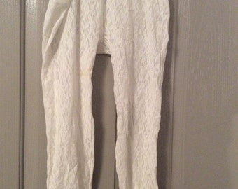 "Lace leggings new without tags, vintage 80s, white w/2"" elastic waist & Hems/Fits small medium large"