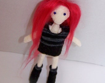 Felt doll, mini doll, handmade doll, handsewn doll, pocket doll, tiny doll, cute, kawaii