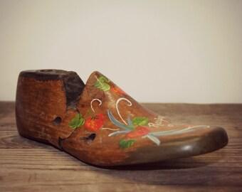 Antique Tole Painted Cobbler's Wood Shoe Last - antique folk art recipe card holder