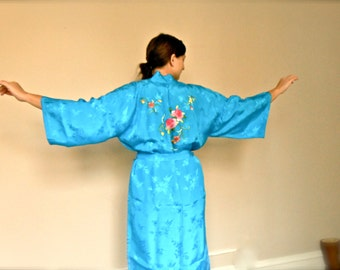 Vintage 1960s Chinese Kimono Robe Sky Blue with Floral Embroidery by Golden Bee Asian 60s 3/4 Sleeve Pink Flowers Green Leaves