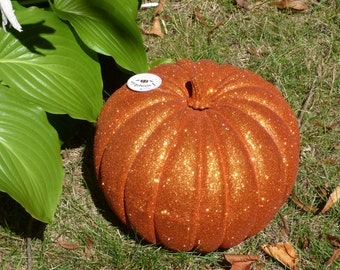 Elegant Pumpkin 10 inch tall. 39 inches around