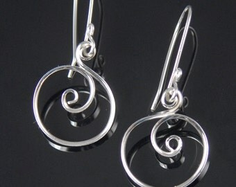 Little Shiny Silver Circle Earrings, Argentium Sterling Silver Spiral Earrings, Spiral Circle Dangle Earrings   SE60