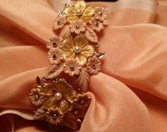 BEAUTIFUL Flower Cluster Bracelet w/ Fruit Salad VINTAGE