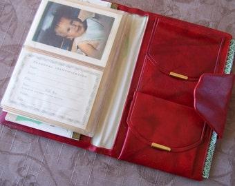 Vintage red vinyl wallet, new, old stock.    C9-213-1