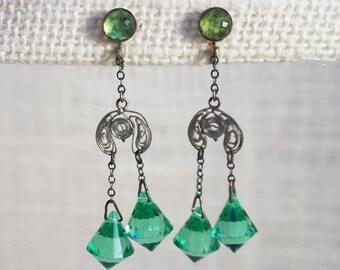 1920's Emerald Green Crystal and Silver Tone Filigree Dangle Drop Earrings Art Deco Art Nouveau