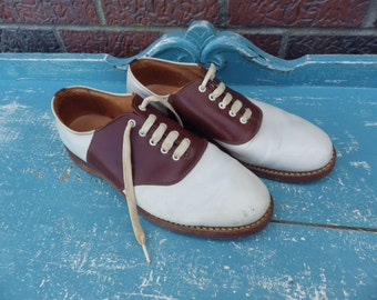 Vintage 1940s 1950s Saddle Oxfords brown and white Mens 8 or Womens size 10!