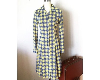 1970s Silky Geometric Print Retro Shirtdress, Globe Traveler 70's, Size Medium
