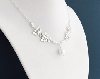 Silver Hydrangea Necklace, White Pearl Freshwter Pearl, Flower Necklace, Sterling Silver Chain, Wedding Jewelry