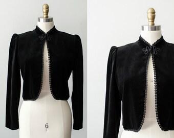 black velvet vintage blazer / black coat / Sasson / size medium