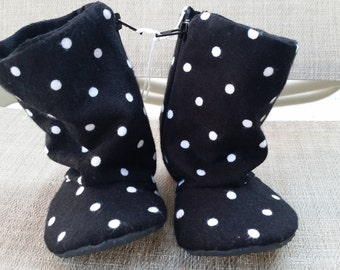 SALE** Black and white polka-dot baby boots - plum and cream - infant to toddler - non slip sole, Birthday, Baby Shower Gift, Holiday