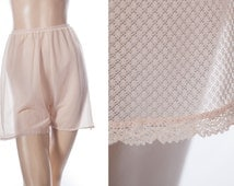 Adorable  incredibly sheer 1950's vintage flimsy floaty palest peach self patterned nylon and dainty lace french knickers tap panties - 3693