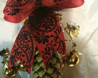 Pinecone ornaments / Decorations