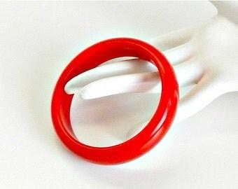 CIJ SALE Vintage Red Bangle Bracelet. Cherry Red Lucite Bracelet. MOD Bangle. 1960s Jewelry.